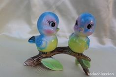 Pareja de pájaros en rama, de cerámica estilo Capodimonti pintados a mano años 70s Porcelain, Diy, Wedding Keepsakes, Tea Sets, Style, Couples, Bricolage, Handyman Projects, Do It Yourself