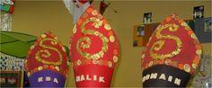 mijter letter S Saint Nicholas, School Themes, December, Christmas Crafts, Crafts For Kids, Saints, Holiday Decor, Inspiration, Carnival