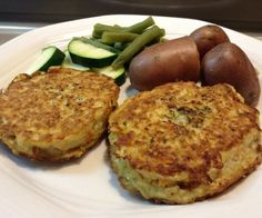 Super Tasty Fish Cakes that are paleo, budget-friendly and freezable.