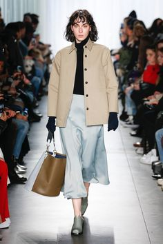 The complete Creatures of Comfort Fall 2018 Ready-to-Wear fashion show now on Vogue Runway.