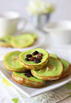 Kue Lumpur Pandan (Mud Cake) - Indonesian traditional cake, made by rice flour and pandan leaf #yummiiiii.....