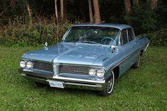 1962 Pontiac Parisienne 4 door hardtop (Canadian)