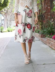 Louise Roe - floral culottes lace shirt - front roe fashion blog 3