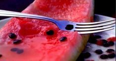 Here's why you should eat watermelon seeds Benefits Of Watermelon Seeds, Herbal Remedies, Natural Remedies, Acide Aminé, Holistic Medicine, Nutrition, Healthy Tips, Herbalism, The Cure