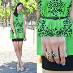 Green Pea (by Gillian Uang) Green Peas, Nude Pumps, Black Belt, Skirts, Dresses, Fashion, Vestidos, Moda, Skirt