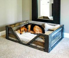 Here we have this simple yet purposeful pallet wood dog bed. This crate style pallet wood dog bed is rustic and spacious. You just have to add a comfy mattress for your doggy to have a sound sleep. Pallet Crafts, Diy Pallet Projects, Home Projects, Wood Crafts, Pallet Ideas, Woodworking Projects, Woodworking Plans, Woodworking Furniture, Diy Projects With Wood
