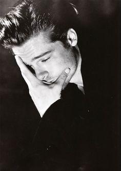 celebrity portraits by Herb Ritts Brad Pitt/Bruce Weber 1993 Bruce Weber, Brad Pitt, Angelina Jolie, Vivienne Marcheline Jolie Pitt, Beautiful Men, Beautiful People, Jenifer Aniston, Herb Ritts, Celebrity Portraits