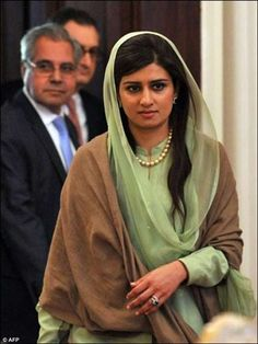 Hina Rabbani Khar (b.19 Nov 1977) is a Pakistani stateswoman and economist who was the 26th Foreign Minister of Pakistan. Her father is Nur Rabbani Khar and she is the niece of Ghulam Mustafa Khar, former Governor and Chief Minister of Punjab, and cousin of model and actress Aaminah Haq. - ♥ Rhea Khan