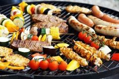 40 Delicious Grilling Recipes for the Tastiest Summer Cookouts - Recipes Junkie Grilling Tips, Grilling Recipes, Healthy Grilling, Dieta Flexible, Cookout Food, Backyard Cookout, Chefs, Cooking Tips, Barbecue