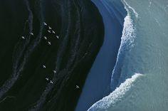 Depuis son avion, le photographe américain Zack Seckler nous offre un nouveau point de vue sur paysages islandais.