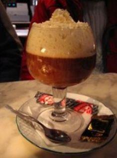 Normalmente después de una buena comilona, podemos disfrutar de este clásico café irlandés, en el que procuraremos emplear un buen whisky irlandés. Para estas fechas, podemos ofrecerlo a nuestros invitados.