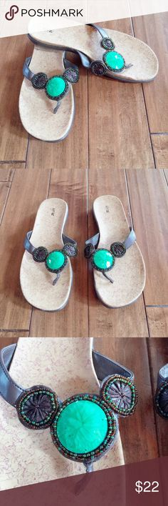 🆕APT.9 SANDAL SIZE 8. 🆕APT.9 SANDAL SIZE 8.  NEVER WORN. BEAUTIFUL BEADING WITH LARGE STONE. GREAT QUALITY. Apt. 9 Shoes Sandals