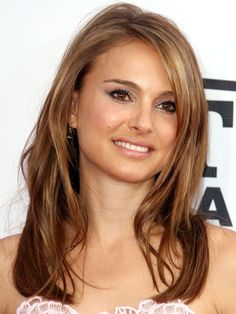 Natalie Portman bronde hair and messy side part http://beautyeditor.ca/2013/06/19/rebekah-feels-bored-with-her-fine-bleached-out-hair-celeb-stylist-bill-angst-to-the-rescue/