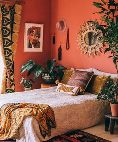 Bohemian bedroom decor has become one of the most coveted aesthetics on Pinteres… - Vintage Bohemian Home Decor, Bedroom Inspirations, Bedroom Design, Chic Bedroom, Bedroom Layouts, Bohemian Bedroom Decor, Bedroom Decor, Interior Design, Home Decor