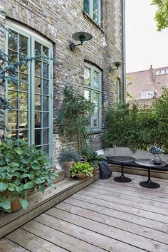 The terrace is inviting and calm. The terrace is inviting and quiet. - The terrace is inviting and calm. The terrace is inviting and quiet. Outdoor Decor, Terrace Design, Outdoor Living, Townhouse Garden, Dream Garden, Modern Garden, Exterior