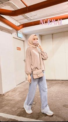 Modern Hijab Fashion, Street Hijab Fashion, Hijab Fashion Inspiration, Muslim Fashion, Ootd Fashion, Fashion Outfits, Hijab Fashion Style, Fashion Ideas, Casual Hijab Outfit