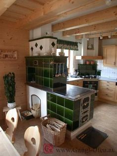 Gangl Ofen Hafnermeister, Kachelofen Steiermark, Graz Umbebung - Gangl Ofen Hafnermeister Steiermark - Herde I love the configurationheating both rooms, not much wall space; oven could face into kitchen (opt) Chalet Design, Cooking Stove, Cooking Ham, Vintage Stoves, Built In Ovens, Rocket Stoves, Old Kitchen, Interior Design Kitchen, Building A House