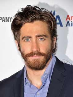 Jake Gyllenhaal, Kit Harington, and Michiel Huisman are redefining male grooming with their hair and beards. Here's how to recreate the look yourself. Teen Boy Haircuts, Cool Haircuts, Haircuts For Men, Jake Gyllenhaal Haircut, Gq, Funky Hairstyles, Formal Hairstyles, Pose, Long Black Hair