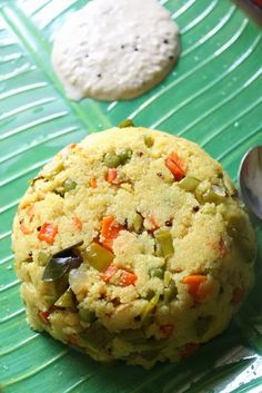 YUMMY TUMMY: Vegetable Rava Upma / Sooji (Suji) Upma / Rava Kichadi / Sooji Kichadi - Breakfast Recipes