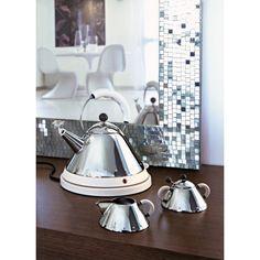 Alessi Electric Kettle waterkoker. Een retro look met strakke vormen! #Alessi #waterkoker #huishoudartikelen #Flinders #design