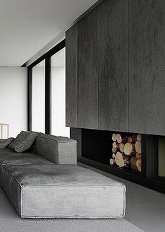 Eine Sammlung toller Design-Sofas, alle in grau ... leider ohne Herstellerangaben und Namen