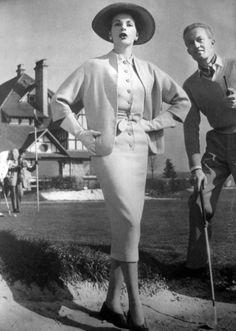 1956 La Femme Chic Magazine