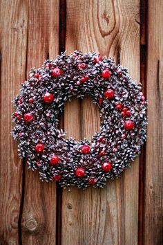 Vianočný veniec U Danky Christmas Wreaths, Halloween, Holiday Decor, Home Decor, Decoration Home, Room Decor, Home Interior Design, Home Decoration, Spooky Halloween