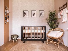 Jungle Thema, Cribs, Activities For Kids, Beautiful Pictures, Baby Rooms, Small Bedrooms, Interior Design, Babyshower, Anna