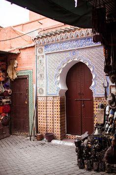 モロッコのマラケシュにあるメディナ   FashionLovers.biz