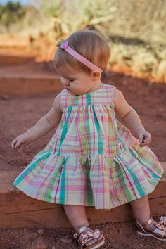 Spencer Baby Dress – Violette Field Threads Source by assunaosaraiva Dresses Baby Dress Design, Baby Girl Dress Patterns, Frock Design, Baby Girl Dresses, Baby Dress Tutorials, Boutique Style, Kids Girls, Baby Girls, Birthday Outfit