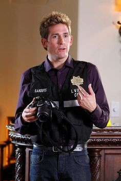 """CSI: Las Vegas - Gregory """"Greg"""" Sanders was educated in a private school for gifted students and graduated Phi Beta Kappa from Stanford University. After a stint with the San Francisco Police Department, Greg joined the Las Vegas Crime Lab as a DNA technician and was soon yearning to find a place beyond the lab conducting fieldwork with the CSI team. - Eric Kyle Szmanda (born July 24, 1975) is an American actor"""