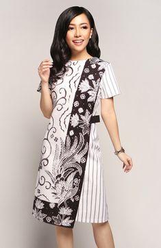 Kebaya Lace, Batik Kebaya, Kebaya Dress, Model Dress Batik, Batik Dress, Dresses For Teens, Nice Dresses, Blouse Batik Modern, Batik Muslim
