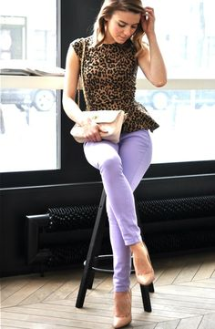 Love the animal print and bright color.....and the shoes
