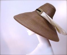 A Late 1940's Leslie James Glamour Summer Sun Hat