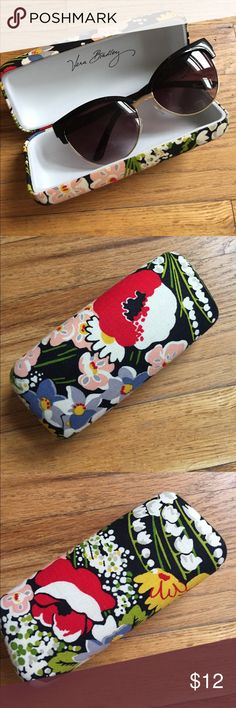 "Sunglasses case in retired ""Poppy Fields"" print BRAND NEW! Fits most sunglasses - I tried it out with all mine. Has no stains or marks, the print is in perfect condition! Sunglasses not included. Vera Bradley Accessories Sunglasses"