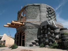 Weet je niet meteen met welk materiaal je je nieuw huis wil bouwen? Of twijfel je nog over de juiste keuze van baksteen? Besef dat het ook anders kan! Met deze - eerder ongebruikelijke - materialen bijvoorbeeld.