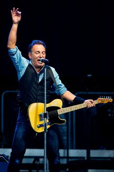 Bruce Springsteen And The E Street Band In Concert - Philadelphia, PA 09/2012