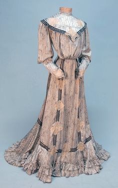 PRINTED SILK AFTERNOON DRESS, c.1900  ღ♥Please feel free to repin ♥ღ  www.myvictorianantiques.com