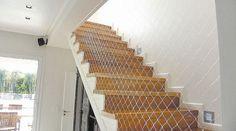 Resultado de imagen de escalera madera y malla