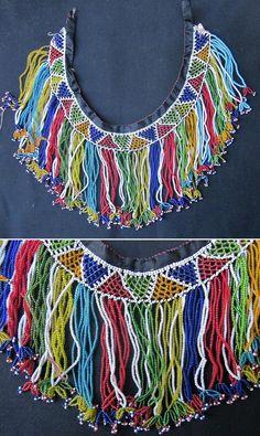 'Gerdanlık'.  Beadwork necklace, to be worn close to the neck.  Mid 20th century.  From Türkmen villages in the Dinar district (Afyon province), e.g. Çölovası köyleri.  (Kavak Folklor Ekibi & Costume Collection-Antwerpen/Belgium).