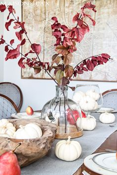 Simple & Natural No Stress Thanksgiving Tables Hosting Thanksgiving, Thanksgiving Table Settings, Thanksgiving Tablescapes, Thanksgiving Decorations, Seasonal Decor, Holiday Decor, White Pumpkins, Autumn Home, Natural Texture