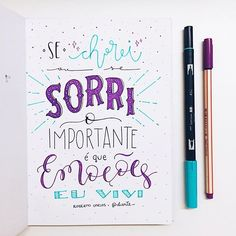 sobre 2016: só gratidão . . . . #sketchbookdiarte #diarte_ #handlettering #lettering #type #handmade #caligrafia #tipografia #art #music #robertocarlos #bomdia Lettering Tutorial, Lettering Design, Bullet Journal 2020, Drawing Letters, Letter E, Motivational Phrases, Calligraphy Letters, Little Books, Galaxy Wallpaper
