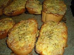 Pokud hledáte recept na večeři, kterou budete mít hotovou do 15 minut, nemusíte… Kefir, Bread Baking, Bon Appetit, Ham, Banana Bread, Sandwiches, Stuffed Mushrooms, Toast, Brunch