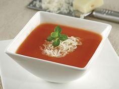 Nefis Domates Çorbası Tarifi Kış aylarında nefis domates çorbası tarifi ile içinizi ısıtın! Nefispratikyemektarifleri.com adresi çorba tarifleri bölümüyle de sizleri memnun etmeye devam ediyor. Sitemizdeki kolay yemek tarifleri linklerini sosyal medyada paylaşabilirsiniz. Malzemeler 2 yemek kaşığı sıvı yağ 1 yemek kaşığı tereyağ 2 yemek kaşığı un 1 yemek kaşığı domates salçası 5 adet rendelenmiş domates … Large Salad Bowl, Salad Bowls, Serving Plates, Serving Dishes, Diet Recipes, Cake Recipes, Sweet Pastries, Marinated Chicken, How To Squeeze Lemons