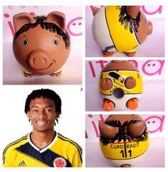 Personalized Piggy Bank, Cute Piggies, Ideas Para, Coffer, Craft, Fleas, Pigs, Painted Ceramics, Mud