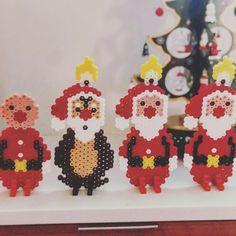 """86 Synes godt om, 10 kommentarer – Karina Lunddal Mehlsen (@justmycakes.dk) på Instagram: """"Noget af det hyggeligste ved julen er at være sammen med børnene om noget kreativt julepynt ✨❤️ og…"""" Disney Christmas, Christmas Time, Christmas Crafts, Holiday, Cute Crafts, Bead Crafts, Diy And Crafts, Pearler Bead Patterns, Perler Patterns"""