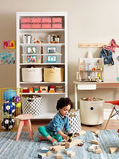 Store frequently-used toys on low shelves so your child can reach the blocks, dolls, and other items she needs (and needs to put back). #organization