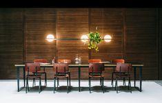 De Palma collectie is een ontwerp van Antoni Arola voor Vibia. De bollen van handgeblazen glas worden gedragen door een frame van aluminium. #vibia #palma #designlamp #lighting #interiordesign #interiordesignideas #glass