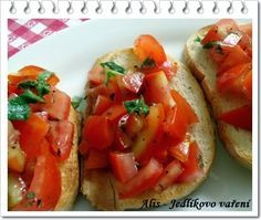 bruschetta, topinky, rajčata Bruschetta, Menu, Ethnic Recipes, Food, Diet, Menu Board Design, Meals, Yemek, Menu Cards