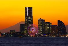 Mt.Fuji and Minato Mirai21 at Evening 富士山を背景に夕方のみなとみらい21